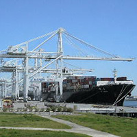 photo of crane at the Port of Oakland