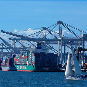 Photo of ships at the Port of Oakland
