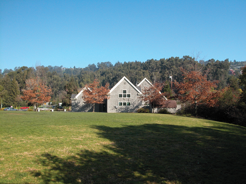 Photo of the Redwood Heights Recreation Center