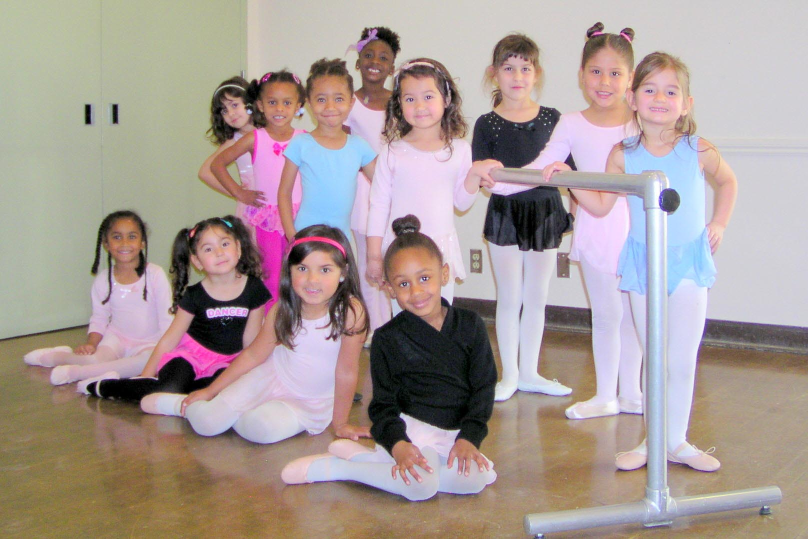 Photo of Redwood Heights Recreation Ballet class