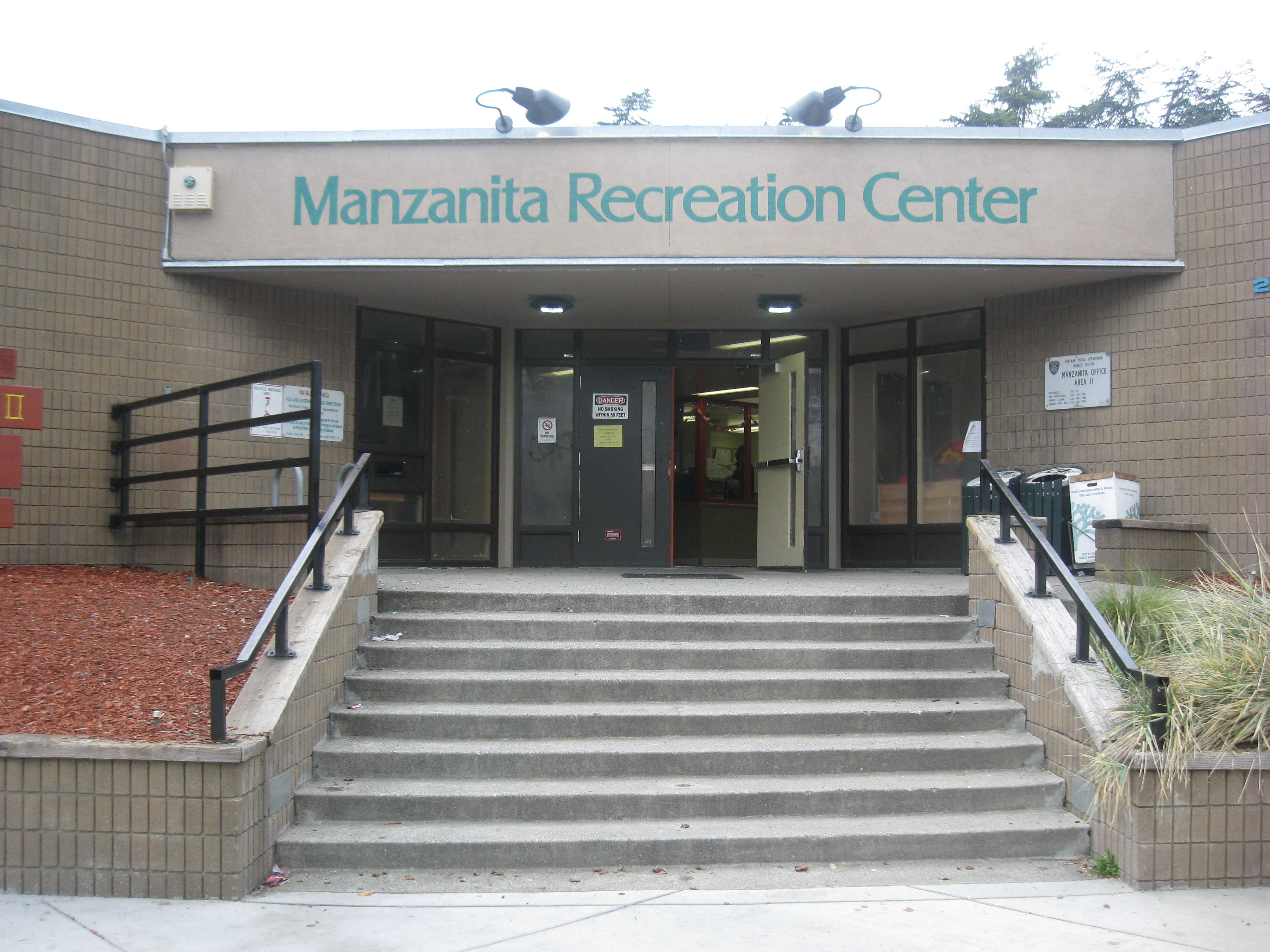 Photo of Manzanita Recreation Center Entry